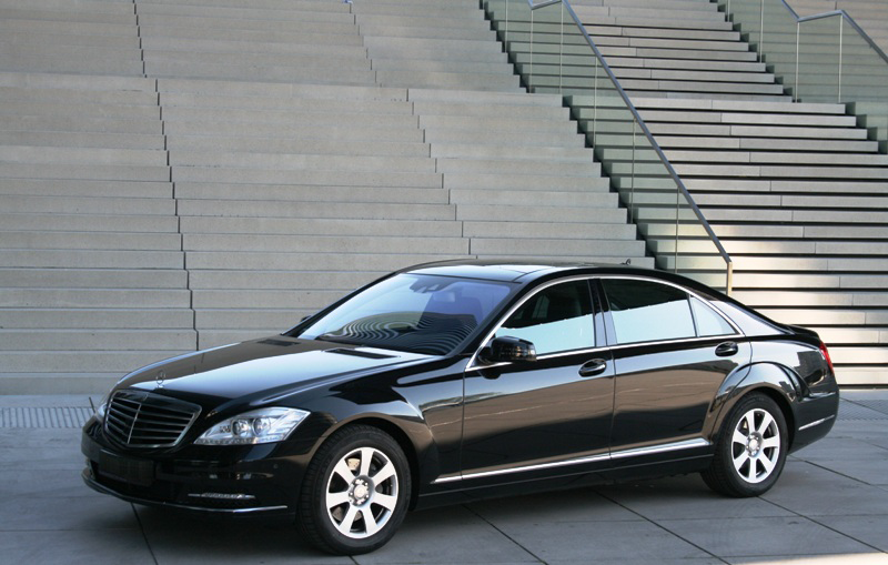 mercedes s class limousine our fleet provides security. Black Bedroom Furniture Sets. Home Design Ideas